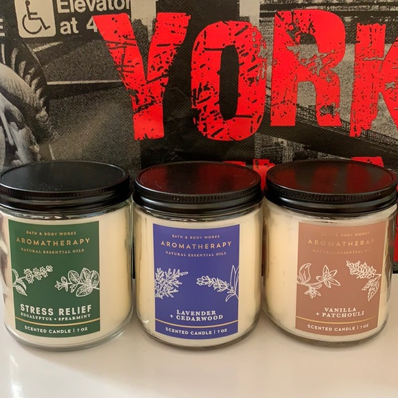 BATH AND BODY WORKS AROMATHERAPY CANDLE BUNDLE